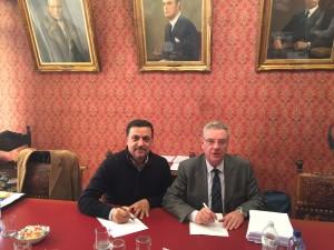 Francesco Parisi e Ahmet Musul durante la firma
