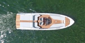 frauscher_858fantomair_top-view_in-water