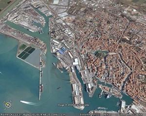 porto-di-livorno-dallalto-2