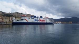 traghetto-acciarello-di-blu-navy-a-portoferraio